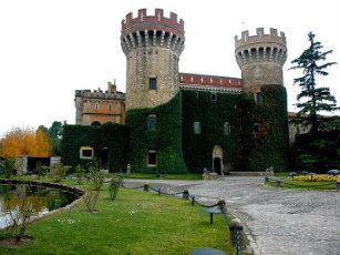 800px-castell_de_peralada